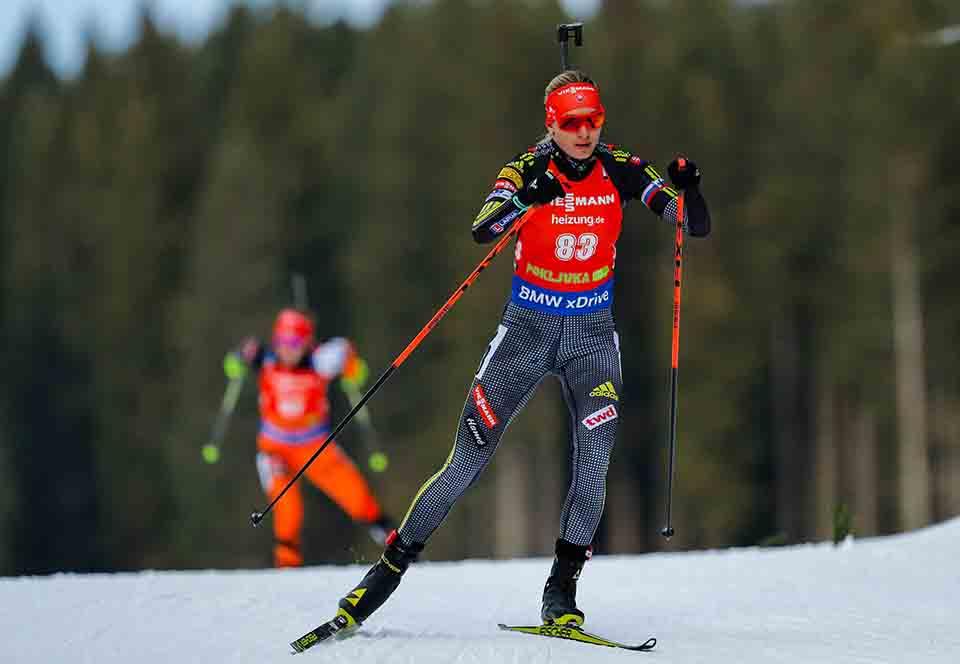 Na snímke slovenská biatlonistka a dvojnásobná olympijská víťazka Anastasia Kuzminová v šprinte žien na 7,5 km 2. kola Svetového pohára žien v slovinskej Pokljuke v piatok 9. decembra 2016. FOTO TASR/STA