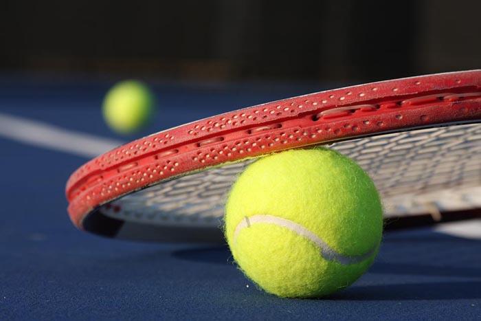 tenisova raketa