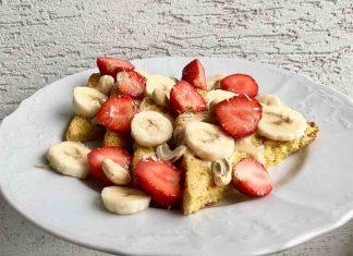 Chutné raňajky v podobe francúzskych toastov s čerstvým ovocím