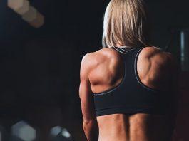 Ako používať aminokyseliny - ženský chrbát